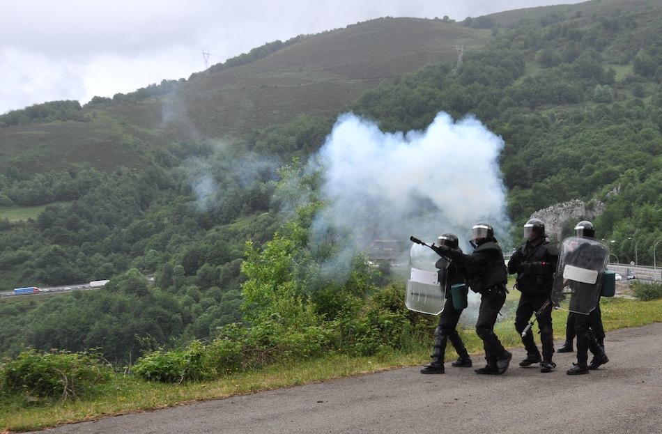 http://juralib.noblogs.org/files/2012/06/0151.jpg