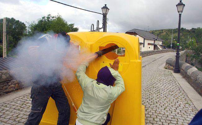 http://juralib.noblogs.org/files/2012/06/023.jpg