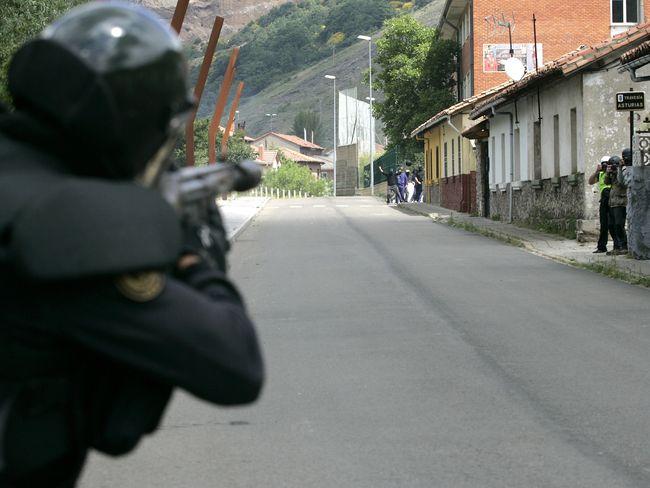 http://juralib.noblogs.org/files/2012/06/073.jpg