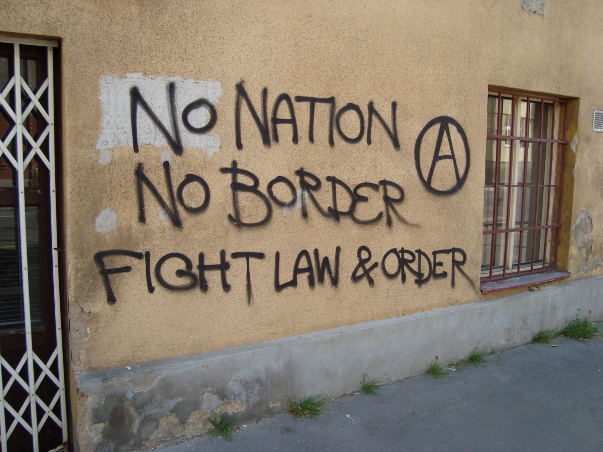 http://juralib.noblogs.org/files/2012/06/2011-06-24_Tchequie_Prague_nobordernonation.jpg
