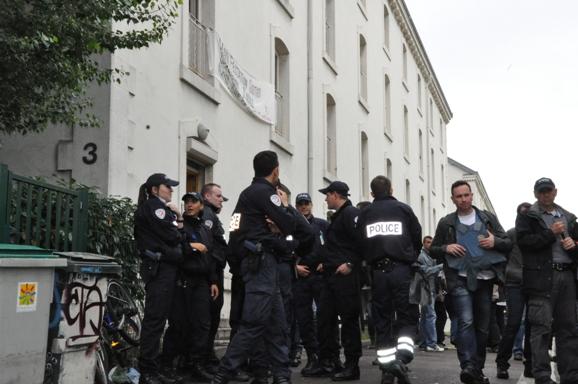 http://juralib.noblogs.org/files/2012/07/022.jpg