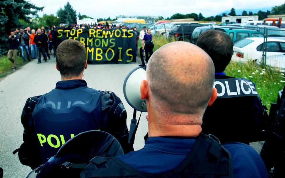 http://juralib.noblogs.org/files/2012/07/2.jpg