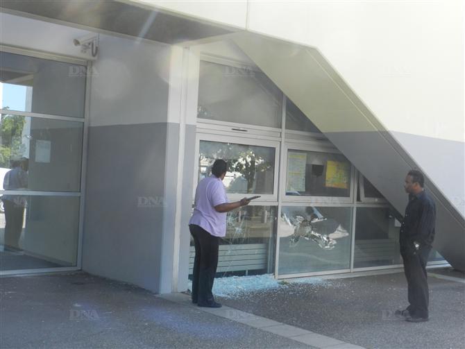 http://juralib.noblogs.org/files/2012/08/04.jpg