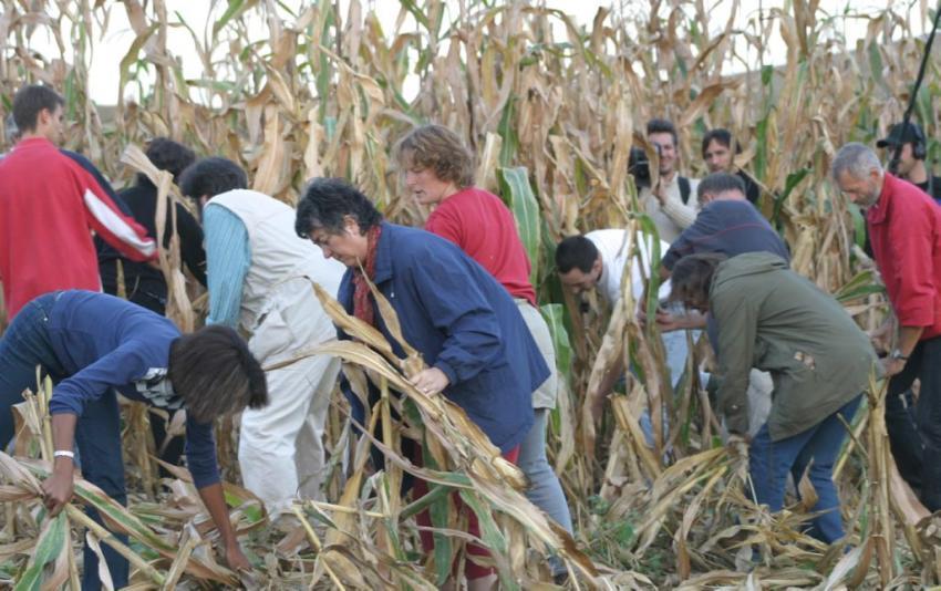 http://juralib.noblogs.org/files/2012/09/007.jpg