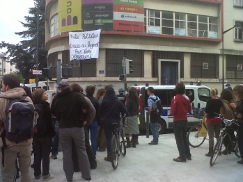 http://juralib.noblogs.org/files/2012/09/1142.jpg