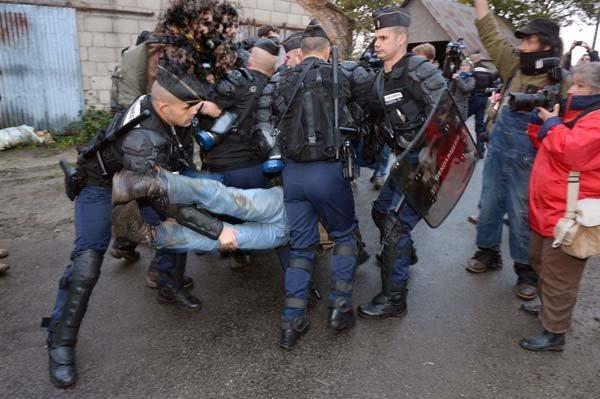 http://juralib.noblogs.org/files/2012/10/124.jpg
