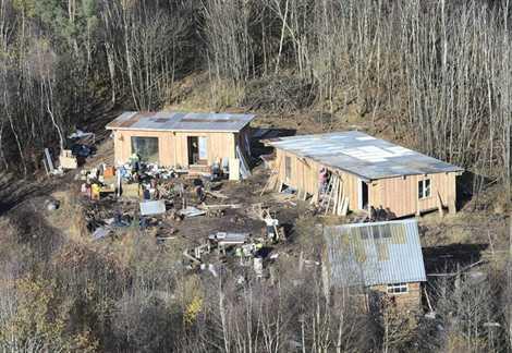 http://juralib.noblogs.org/files/2012/11/0224.jpg