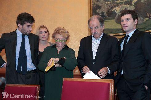 http://juralib.noblogs.org/files/2012/11/03.jpeg