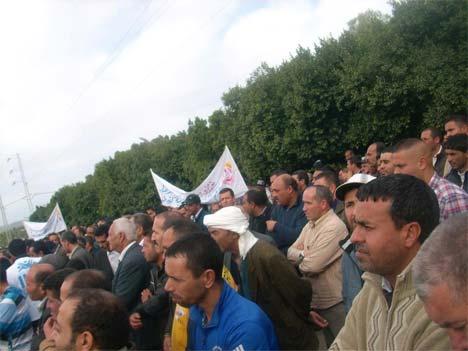 http://juralib.noblogs.org/files/2012/11/0327.jpg