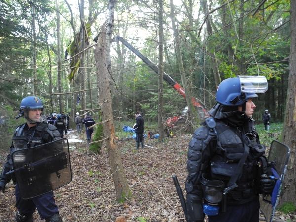 http://juralib.noblogs.org/files/2012/11/061.jpg