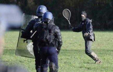 http://juralib.noblogs.org/files/2012/11/0624.jpg