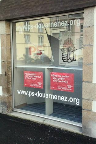 http://juralib.noblogs.org/files/2012/11/071.jpg