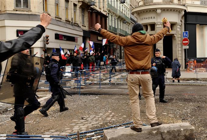http://juralib.noblogs.org/files/2012/11/105.jpg