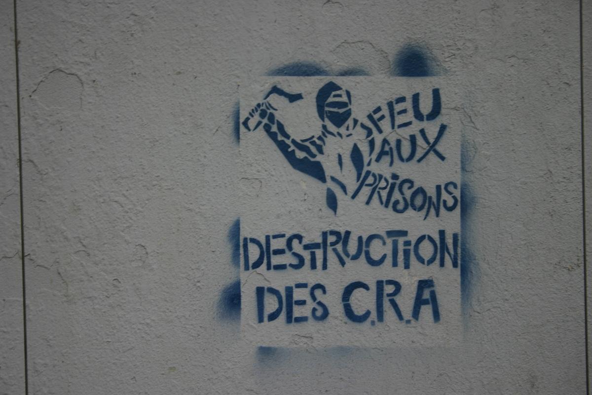 http://juralib.noblogs.org/files/2012/11/2012-10_Paris_XXe_RueDesOrteaux_a.jpg