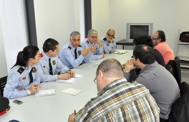 http://juralib.noblogs.org/files/2012/11/31.jpg