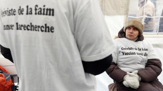 http://juralib.noblogs.org/files/2012/12/0122.jpg