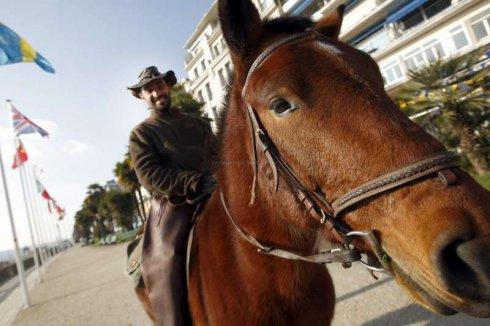 http://juralib.noblogs.org/files/2012/12/0217.jpg