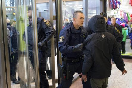 http://juralib.noblogs.org/files/2012/12/0323.jpg