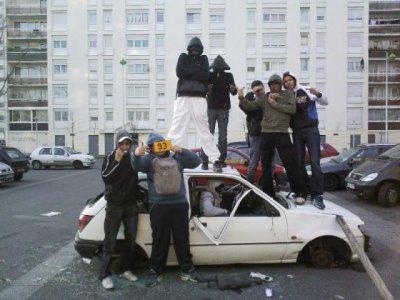 http://juralib.noblogs.org/files/2012/12/0330.jpg