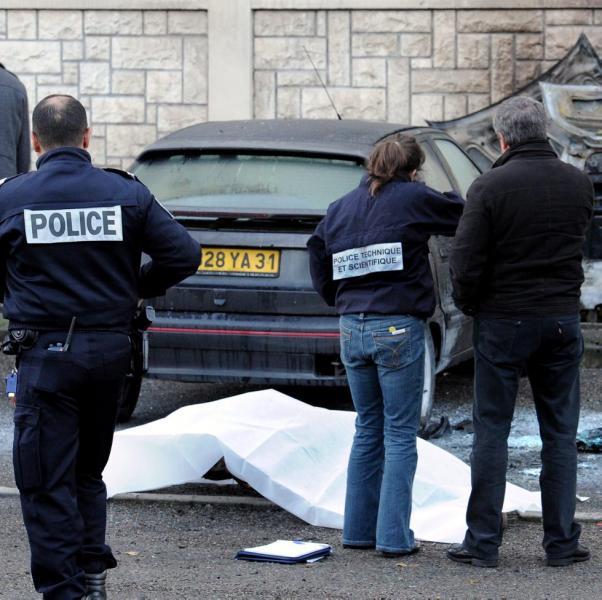 http://juralib.noblogs.org/files/2012/12/0510.jpg