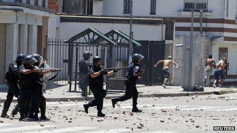 http://juralib.noblogs.org/files/2012/12/0623.jpg