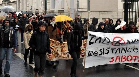 http://juralib.noblogs.org/files/2012/12/0910.jpg
