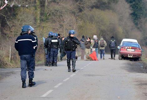 http://juralib.noblogs.org/files/2012/12/136.jpg