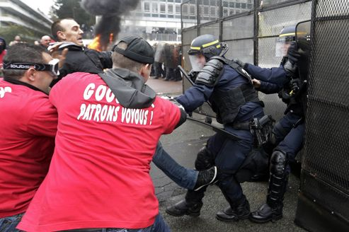 http://juralib.noblogs.org/files/2013/03/0131.jpg