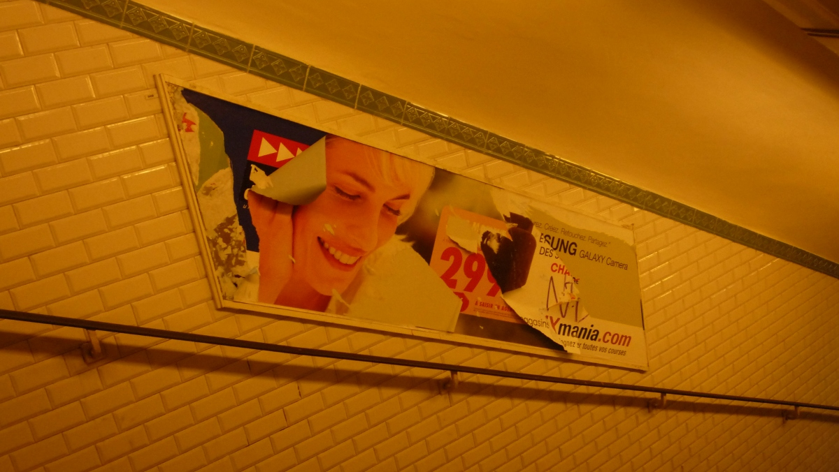 http://juralib.noblogs.org/files/2013/03/2012-12_Paris_XIe_MetroParmentier.jpg