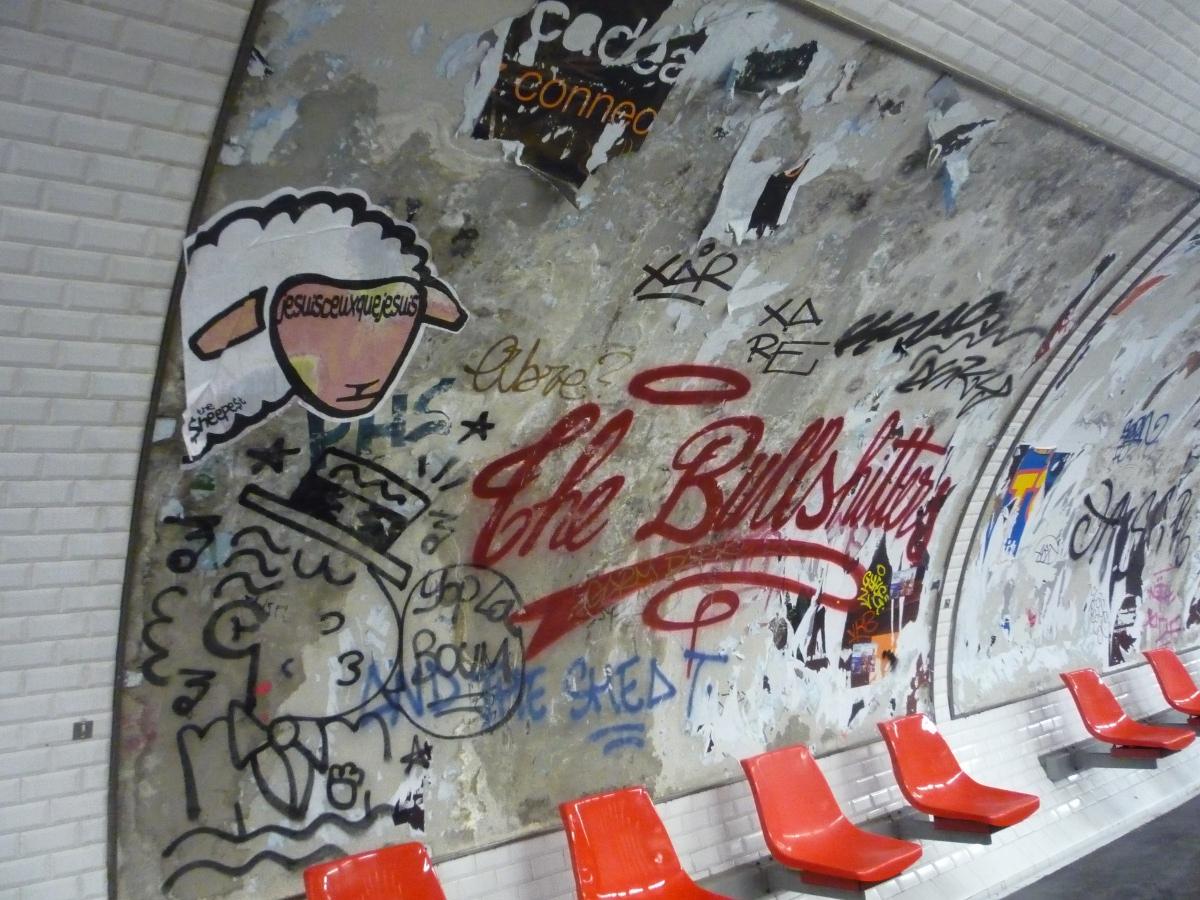 http://juralib.noblogs.org/files/2013/03/2013-03_ParisIIe_MetroEtienneMarcel-b.jpg